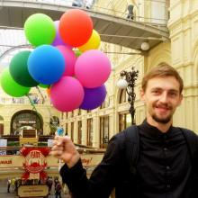 From right to left: Alex and cool baloons :)